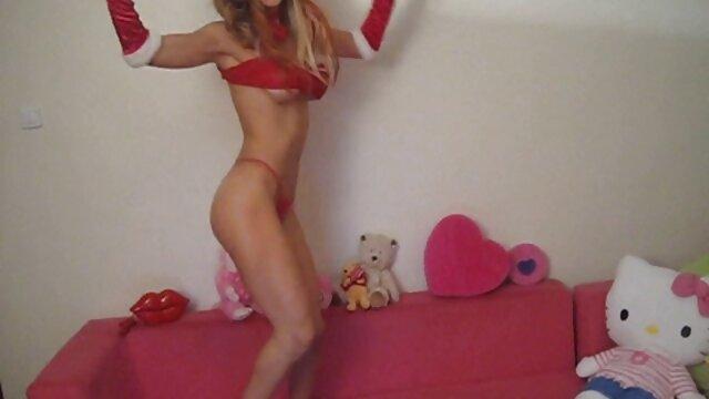 彼女は男の子のベッドを吸い、自慰行為をし、最終的には犯される 女性 専用 無料 アダルト ビデオ