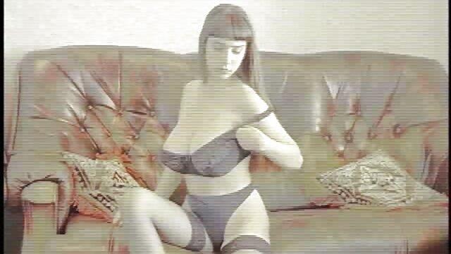 角質の売春婦は、大きな黒いコックと彼女の毛むくじゃらの猫に乗る 女性 の ため の アダルト ビデオ 無料
