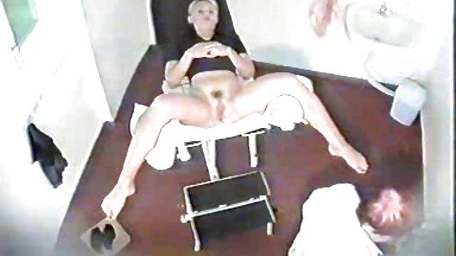 彼女fucks二slutsのジム エッチ 動画 女 向け