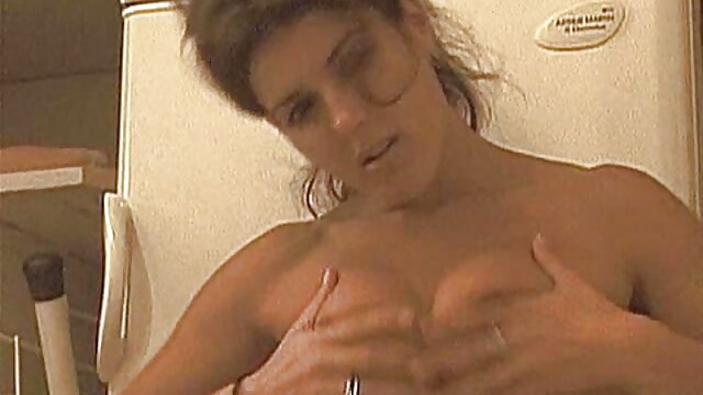 Busty 女性 向け 無料 エッチ 動画 MILF積による大きなコックにwebカメラ