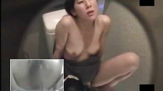 この販売員fucksプールクリーナー 女性 が 見る av 動画